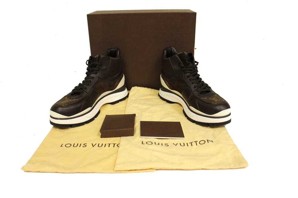 640accc96606 Lot   422. (1) MENS SHOES  Louis Vuitton ...